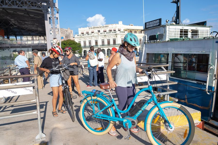 E-Biking in Havanna